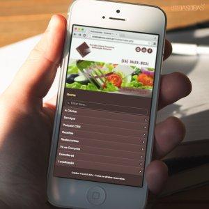 criação de site nutricionista - mockup celular - Cristina Trovó