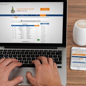 criação de site institucional - mockup Macbook - Gurus da Bola