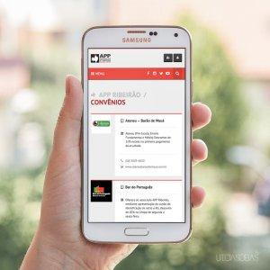 criação de site institucional APP - mockup celular
