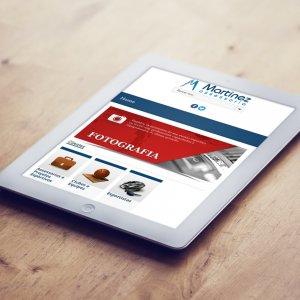 criação de site para assessoria de imprensa - mockup iPad - Martinez Assessoria